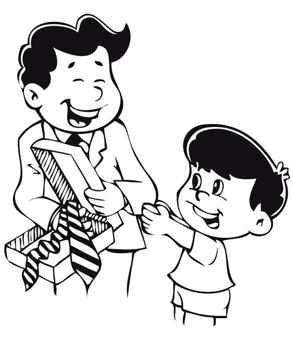 hijo regalando una corbata a su padre