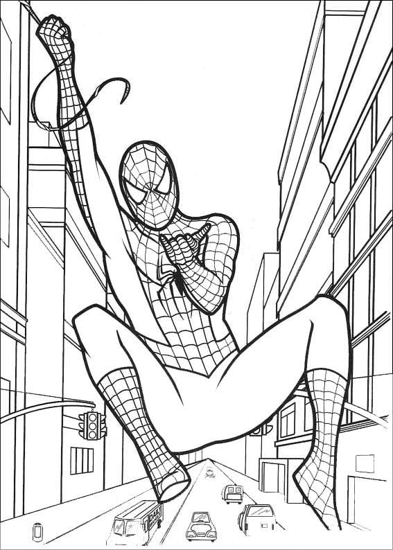 spiderman sobrevuela las calles